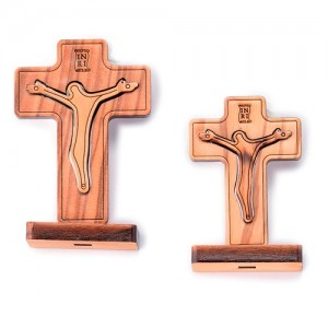 Cross in olive wood with 2-level with base