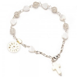Silver bracelet and heart-shaped mother of pearl