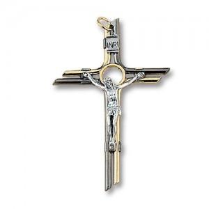 Croce in metallo dorato e canna di fucile